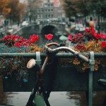 amsterdam brug fiets bloembak