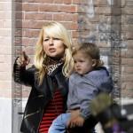 Chantal Janzen en zoon James